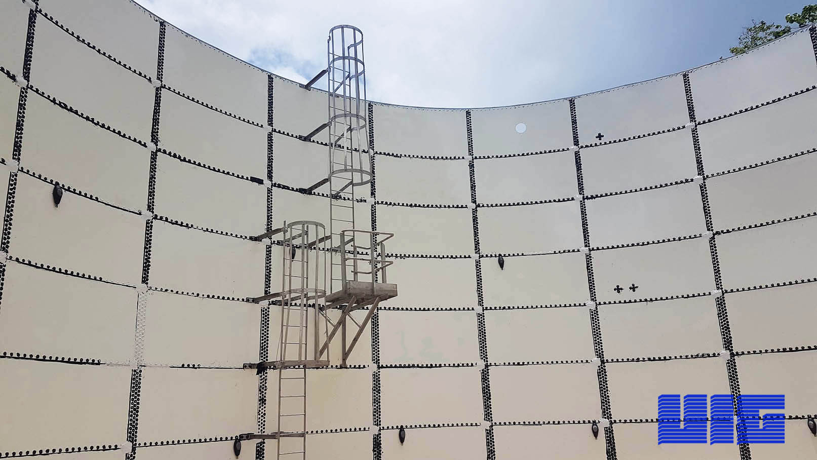 Cathodic protection for a glass lined bolted tank