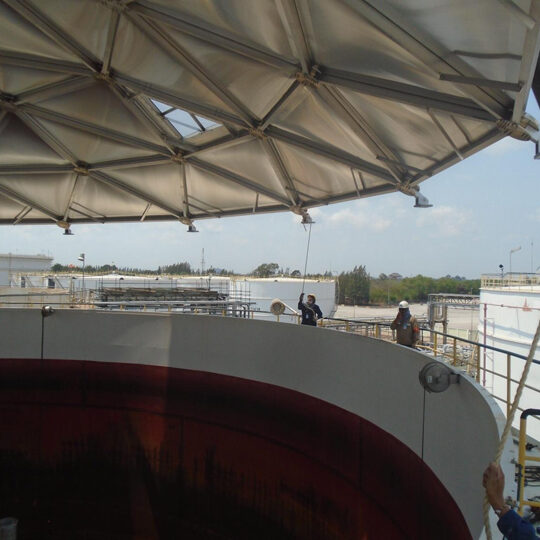 Installing an aluminum dome roof over an oil tank